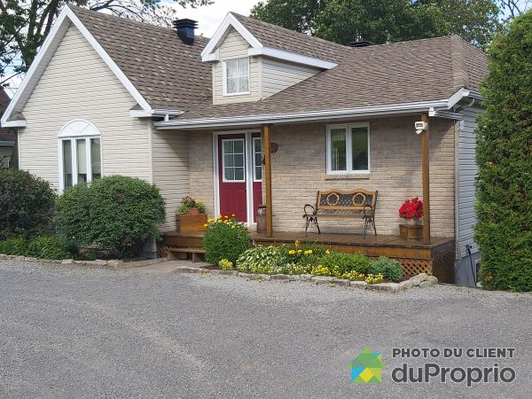 Summer Front - 349 route 138, Neuville for sale