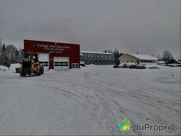 93-95, rue Principale Nord, St-Hubert-De-Rivière-Du-Loup à vendre