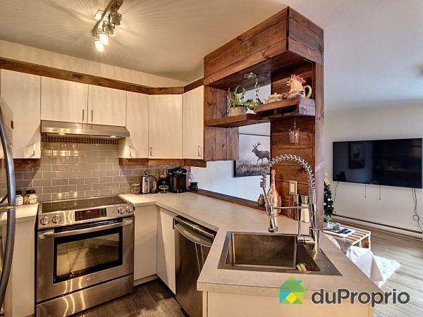 Kitchen - 15857 rue Victoria, Pointe-Aux-Trembles / Montréal-Est for sale