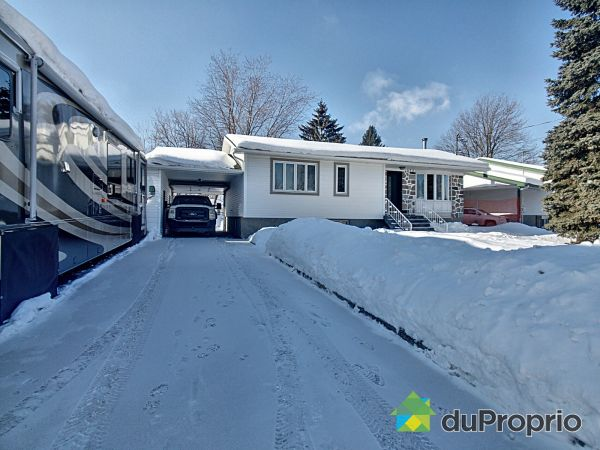 Winter Front - 1072 rue Gadbois, Beloeil for sale