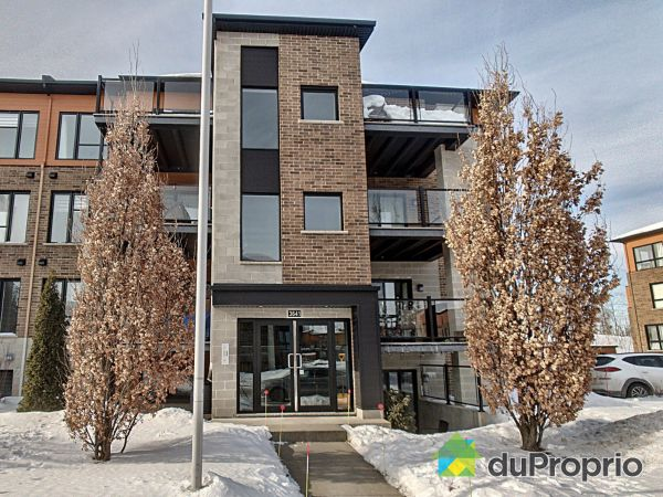 Winter Front - 102-3641 rue Fernand-Flipot, Longueuil (St-Hubert) for sale