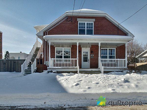 Winter Front - 143-143A, rue Rochefort, Trois-Rivières (Cap-De-La-Madeleine) for sale