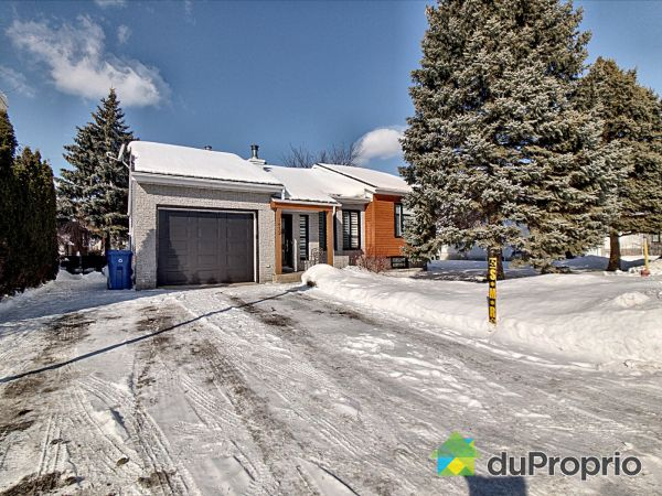 Winter Front - 1472 rue Jean-Bigonesse, Chambly for sale