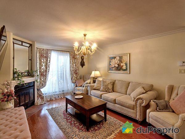 Living Room - 429 rue de la Noue, L'Ile Des Soeurs for sale