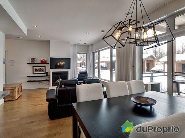 Living / Dining Room - 202-171 avenue de l'Hôtel-De-Ville, Bromont for sale