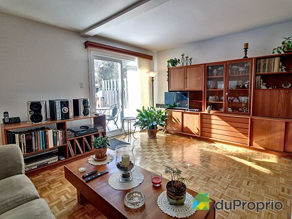 Living Room - 4866 rue Lake, Dollard-Des-Ormeaux for sale