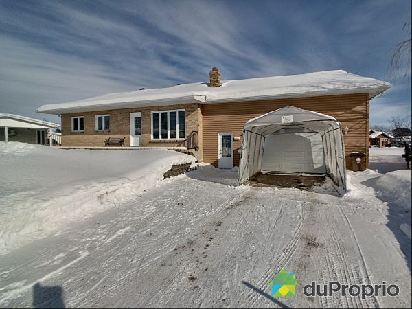 Winter Front - 684 avenue F.-X.-Bouchard, Roberval for sale
