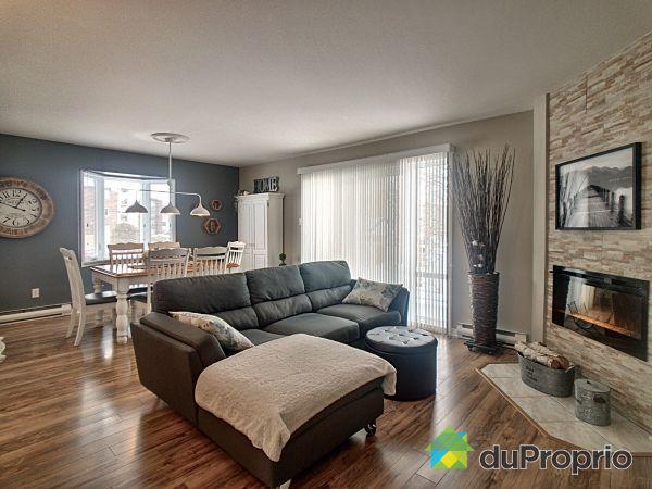 202-58 rue de l'Aqueduc, Varennes for sale