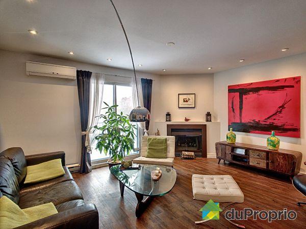 Living Room - 237 rue de Lévis, Le Sud-Ouest for sale