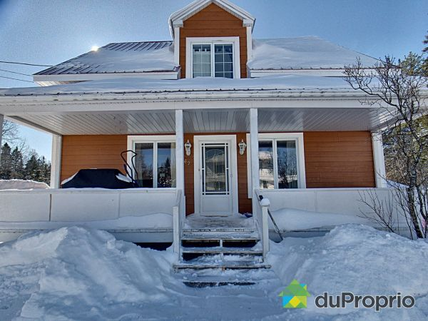 Winter Front - 62 rue Principale, St-Honore-De-Temiscouata for sale