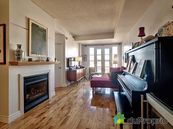 Living Room - 212-281 rue Saint-Paul, Vieux-Québec for sale