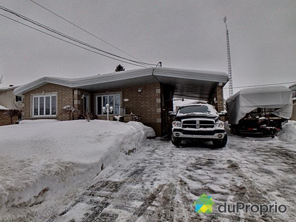 Winter Front - 855 RUE BROUILLETTE, St-Hyacinthe for sale