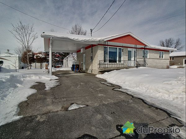 272 rue Mistouk, Alma for sale
