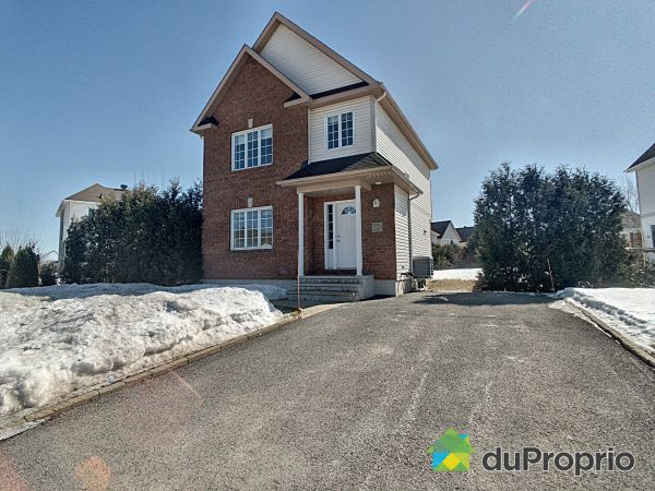 Winter Front - 124 rue de Cassiopée, Gatineau (Hull) for sale