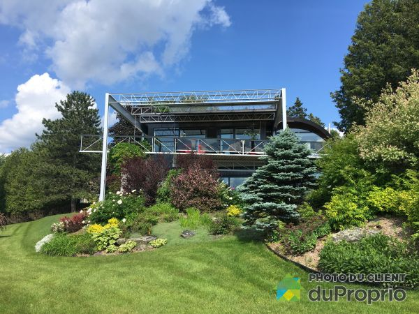 Summer Front - 1170 144e Rue, St-Georges for sale