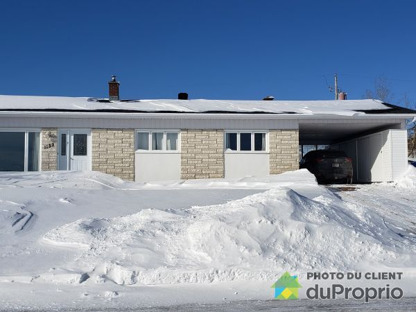 Front Yard - 1139 rue Blondel, Baie-Comeau for sale