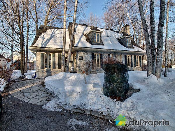 Winter Front - 12750 rue du Glorieux, Montchatel for sale