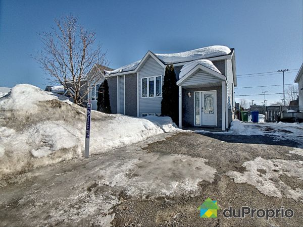 Winter Front - 436 rue Prud'homme, St-Lin-Laurentides for sale