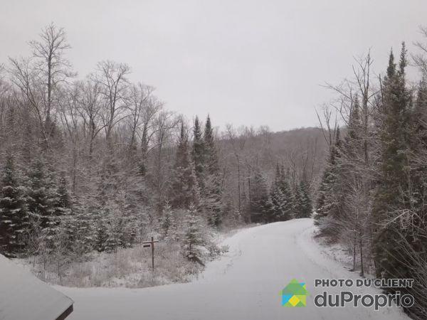 Entrance -  chemin des Guides, Rivière-Rouge for sale