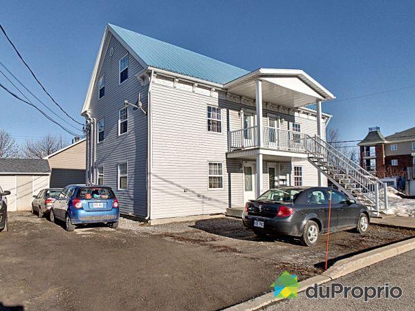 115-115A-115B-115C, rue Saint-Simon, St-Rémi for sale