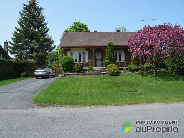 85 rue Caron, St-Joseph-Du-Lac for sale