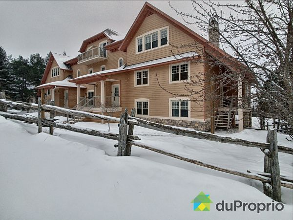 Winter Front - 10-146 rue du Mont-Plaisant, Mont-Tremblant for sale