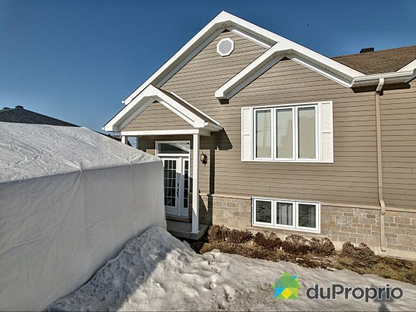 77 rue Terry-Fox, St-Apollinaire for sale
