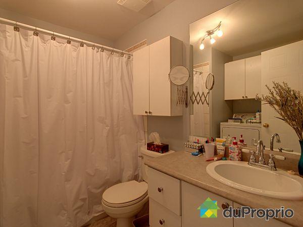 Bathroom - 375-379, rue des Vétérans, Trois-Rivières (Cap-De-La-Madeleine) for sale