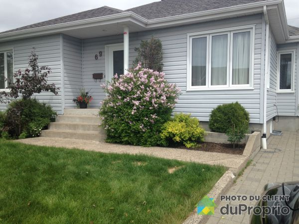 Summer Front - 69 rue Doire, Sept-Iles for sale
