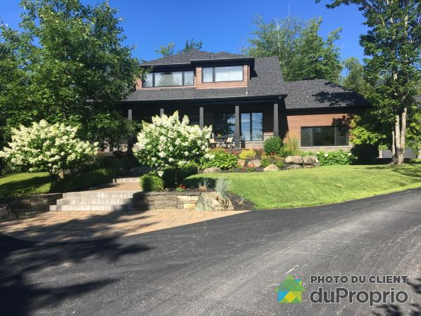 Summer Front - 1100 rue Omer-Ledoux, Sherbrooke (Deauville) for sale