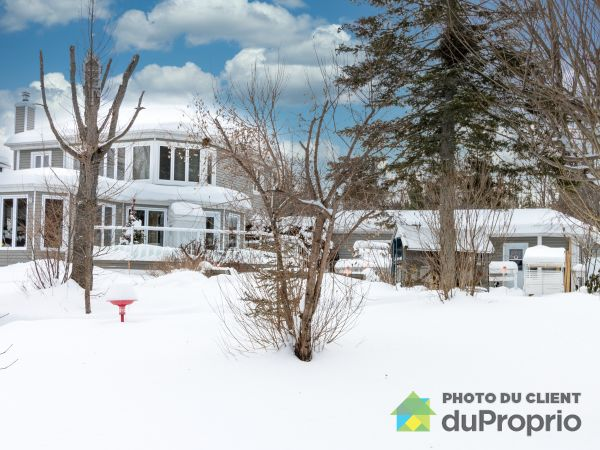 Winter Front - 16 rue du Lac-Henri, Pont-Rouge for sale