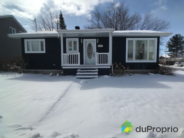 Winter Front - 190 rue Saint-Bernard, Alma for sale