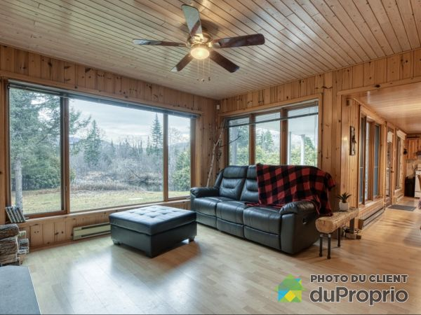 Living Room - 223 chemin Bisson Sud, St-Remi-D'Amherst for sale