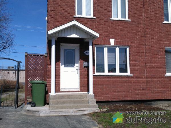 Bâtisse - 2620, rue Auguste, Drummondville (Drummondville) à vendre