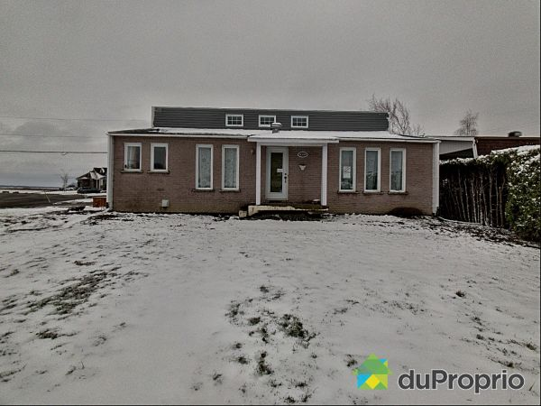 Winter Front - 16395 rue des Catalpas, St-Hyacinthe for sale