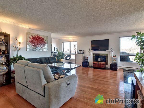 Living Room - 607-200 rue Berlioz, L'Ile Des Soeurs for sale