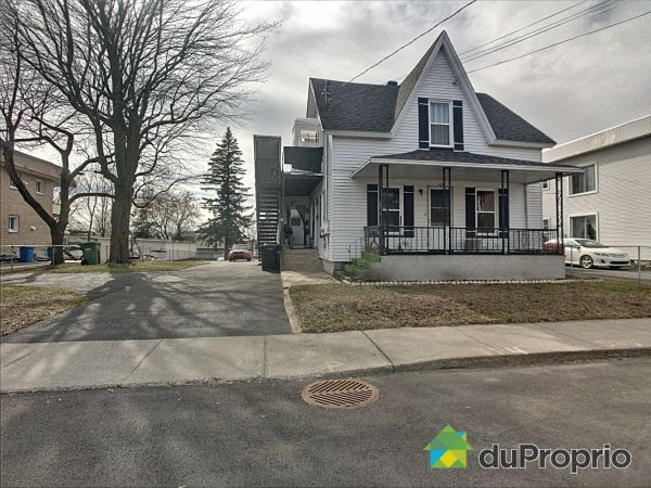 108A-108-110, rue Clarence, Granby for sale