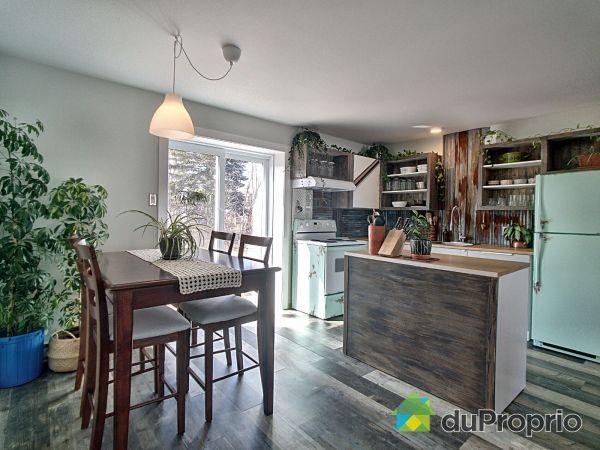 Salle à manger / Cuisine - 12-14, rue de Saint-Jérôme, Métabetchouan-Lac-à-la-Croix à vendre