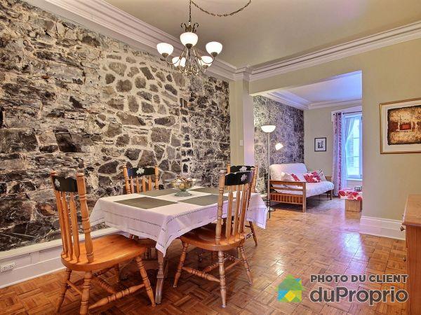 Salle à manger - 448, rue Richelieu, St-Jean-Baptiste à vendre