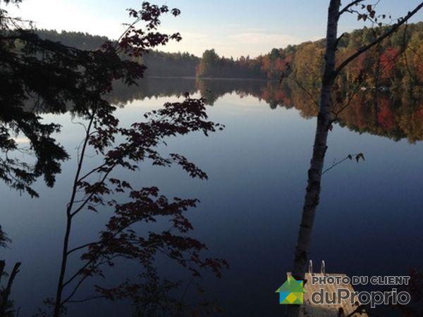 Domaine du Lac à May, Entrelacs à vendre