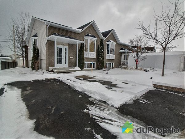 Winter Front - 1375 avenue des Myrtilles, Alma for sale