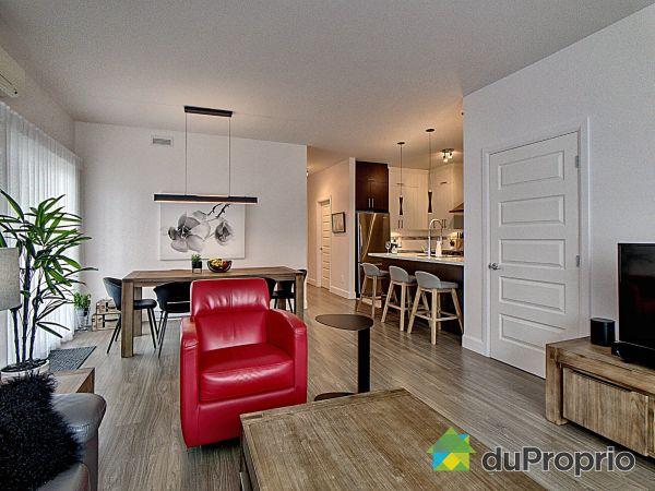 Living / Dining Room - 9670 rue de la Camomille, Neufchatel for sale