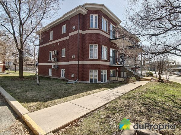 Side View - 1250 rue Saint-Charles Ouest, Longueuil (Vieux-Longueuil) for sale