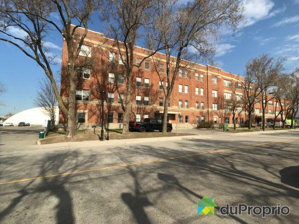 315-795 1re Avenue, Lachine for sale