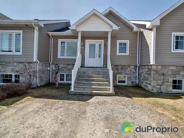 1992 rue des Myrtilles, Jonquière (Jonquière) for sale