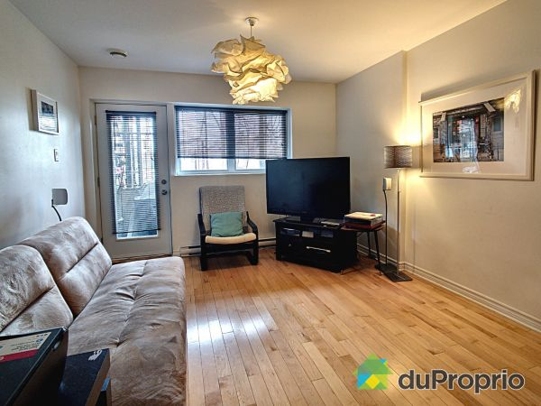 Living Room - 2-695 avenue Beaumont, Villeray / St-Michel / Parc-Extension for sale