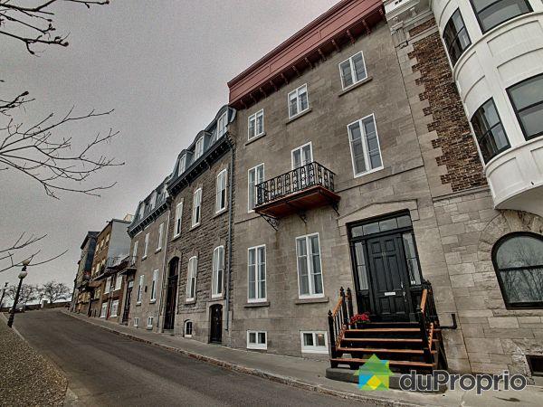 Outside - 1-11 rue des Remparts, Vieux-Québec for sale
