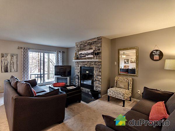 Living Room - 40-184 chemin au Pied-de-La-Montagne, Mont-Tremblant for sale