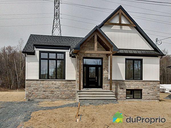 233 rue Plessis - Par Construction Serge Brouillette, Drummondville (Drummondville) for sale