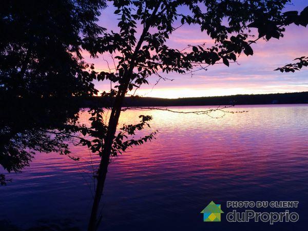 Accès au lac - , chemin du Tour-du-Lac-David Sud, Chute-St-Philippe à vendre